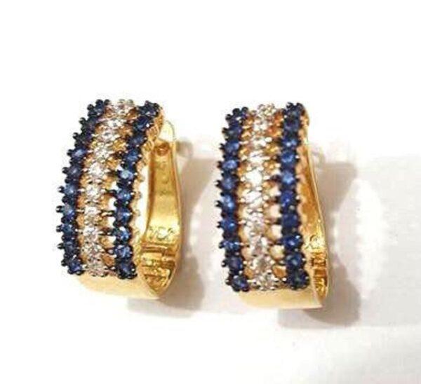 Brinco em ouro 750/18k cravejado com zirconias branca e azul-493