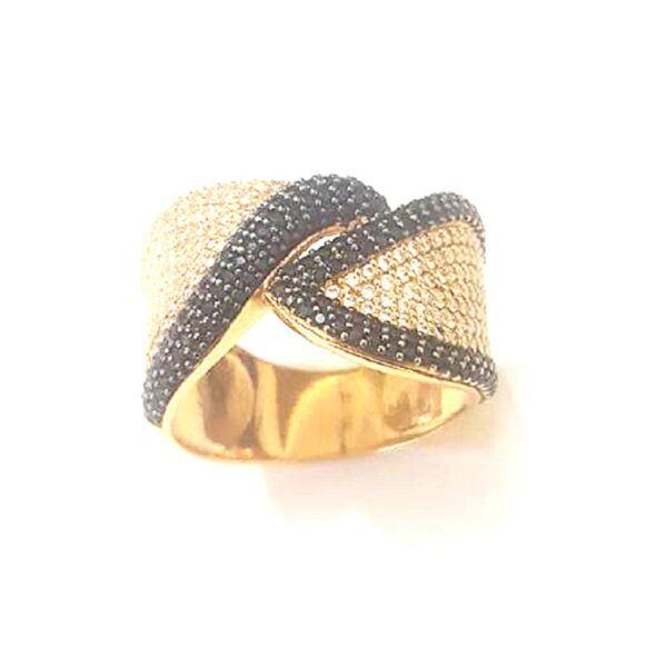 Anel em ouro com zircônias brancas e negras-0