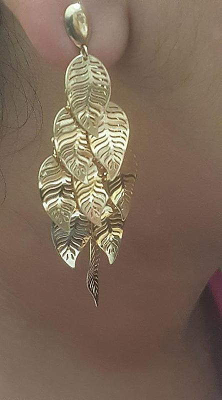 Brinco folhas em ouro-658